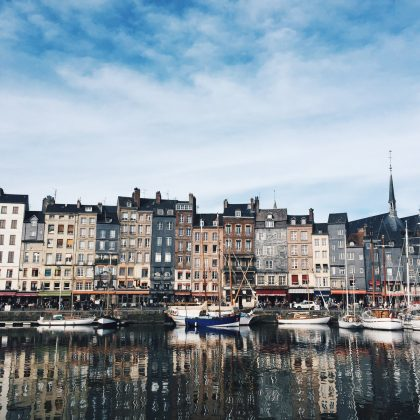 Roadtrip en Normandie : Honfleur, Trouville et Étretat - Black and Wood