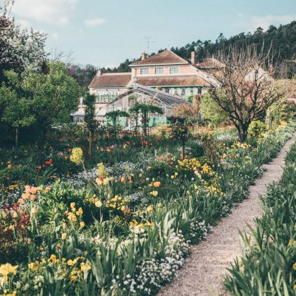 Sur les traces de Monet à Giverny — City guide - Black and Wood