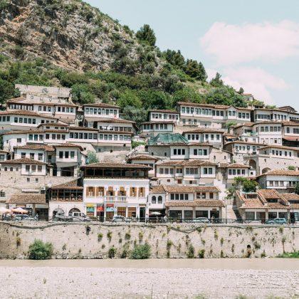 Road trip en Albanie, le Sud : Berat, Gjirokastër et Permet