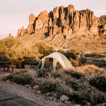 Camper dans l'Ouest américain — Guide Pratique - Black and Wood